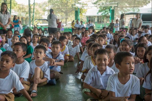 【陸自】人道支援活動でフィリピンに教室を建設